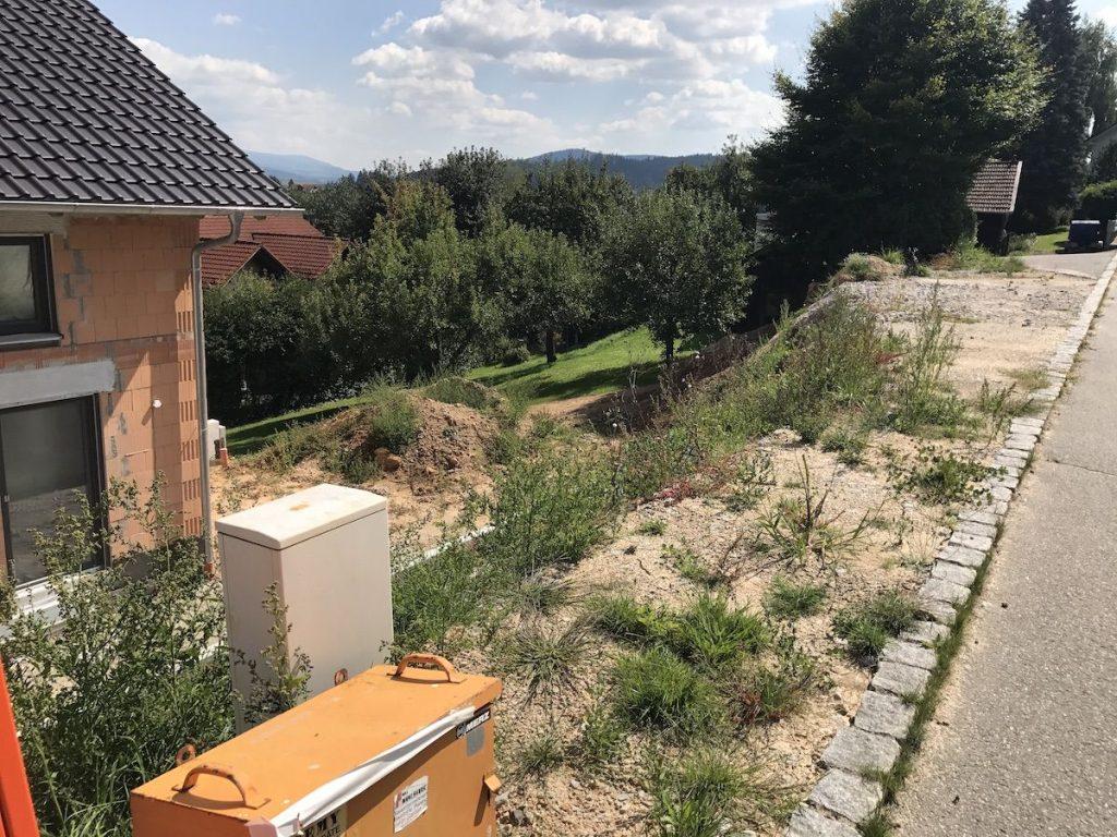 Neubau eines Hauses in einem Wohnviertel