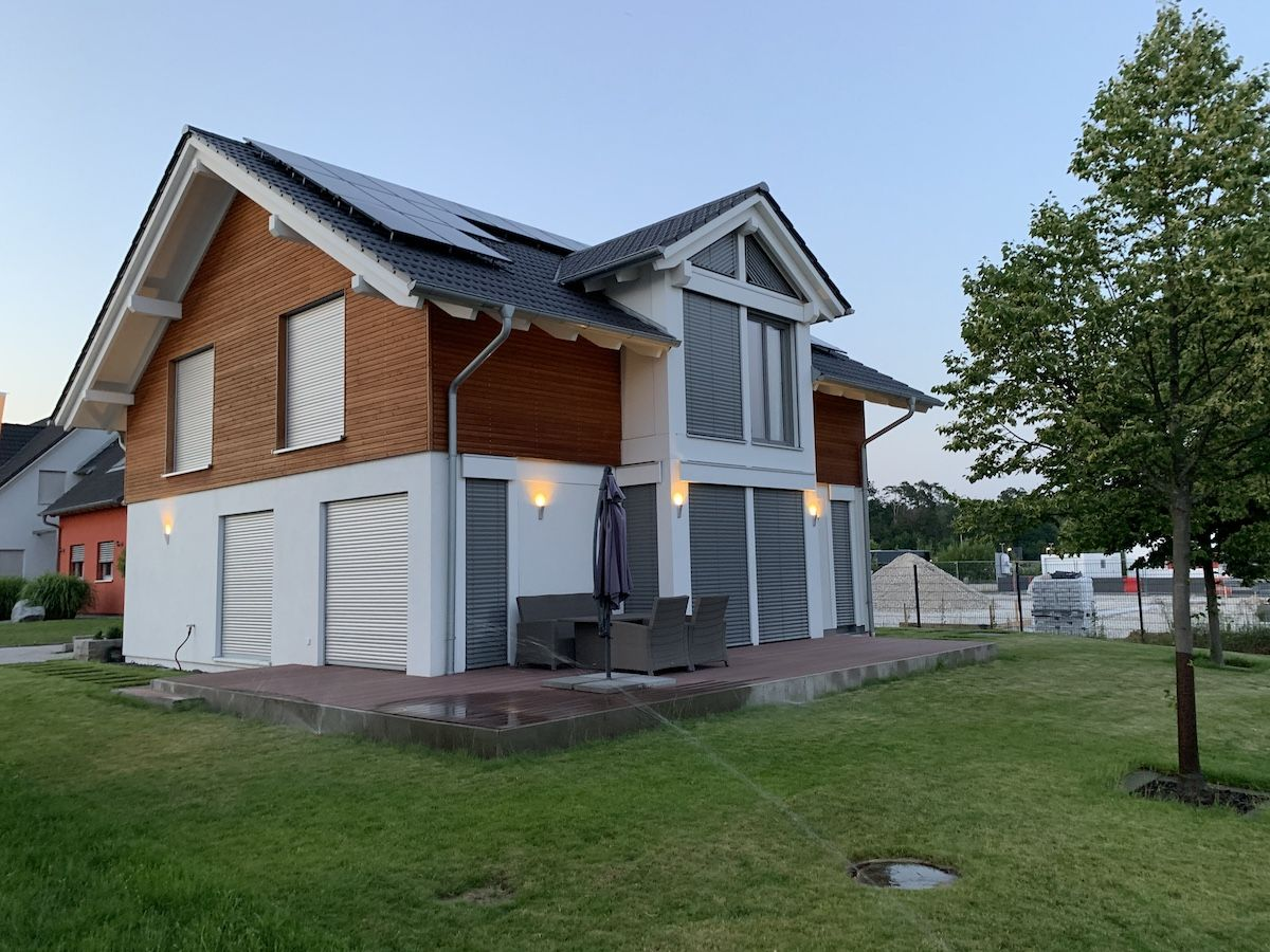 Ein Haus mit Kniestock