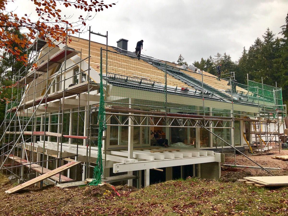 Eine großes Haus, das neue gebaut wird