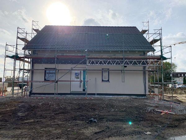 Ein Haus auf einer Baustelle