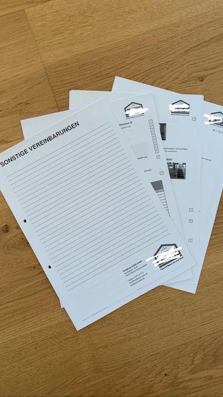 Eine Unterlage für Notizen für den Hausbau