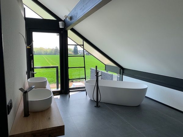 Ein modernes Bad