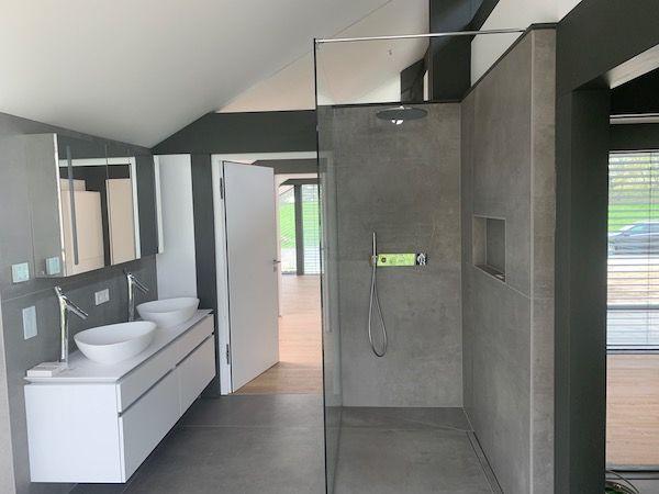 Eine moderne Dusche