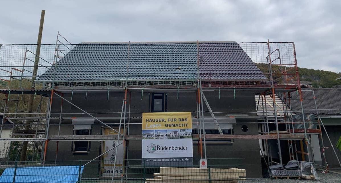 Ein Neubau von Bedenkender Hausbau