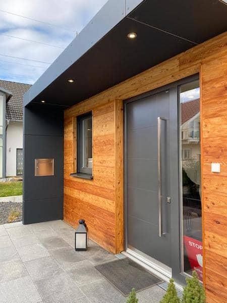 Ein kleines Haus in Holzoptik